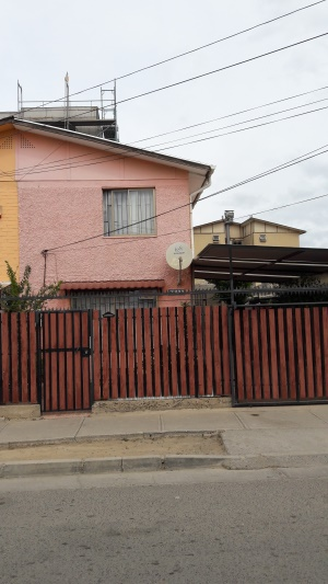 Impecable casa en gran sector habitacional.