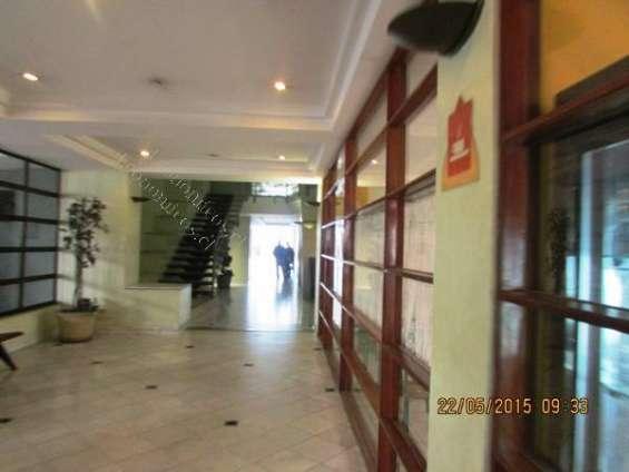 Hall frente a casino