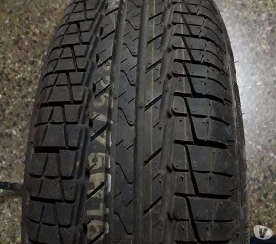 1 llanta con neumático nuevo kumho, original para camioneta mazda bt-50 nuevo}