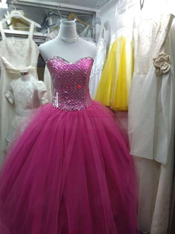 Fotos de Arriendo ,venta ,y confeccion de trajes de novias 4