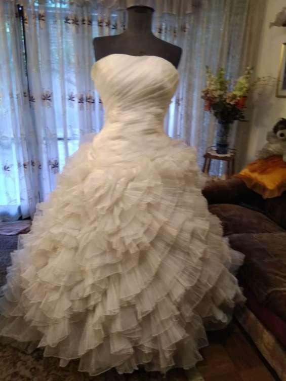 Fotos de Arriendo ,venta ,y confeccion de trajes de novias 1