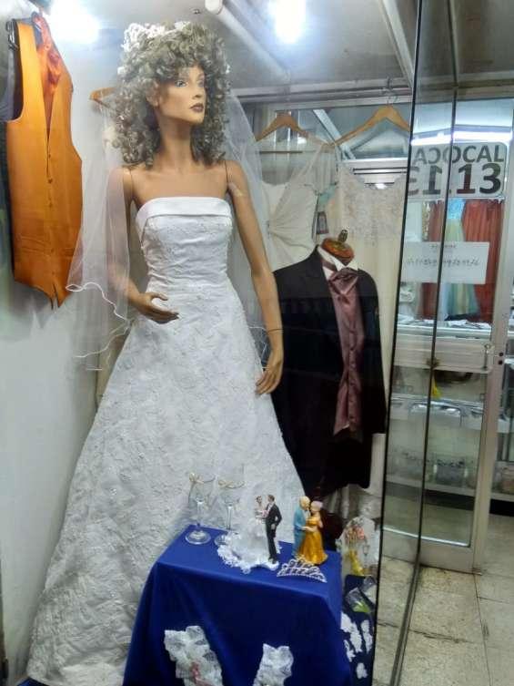 Fotos de Arriendo ,venta ,y confeccion de trajes de novias 3