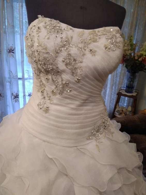 Fotos de Arriendo ,venta ,y confeccion de trajes de novias 2