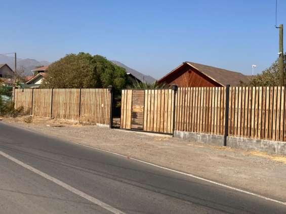 Se vende casa superficie 944.071 mtrs cuadrados, con una construcion de 260 metros, 3 dorm