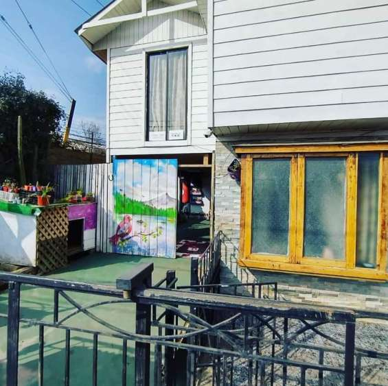 Se vende casa de 2 pisos en llolleo